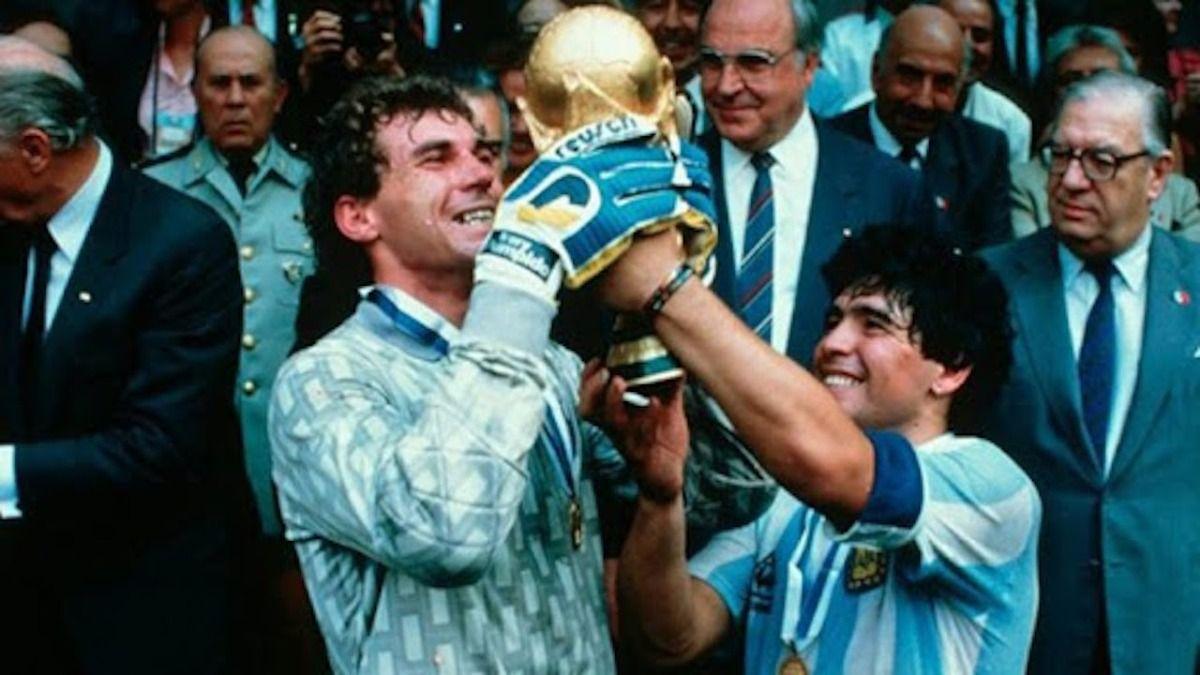 Pumpido arquero de la selección y compañero de Diego Maradona.