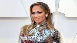 ¿Se casó? Jennifer Lopez sorprendió con un vestido de novia