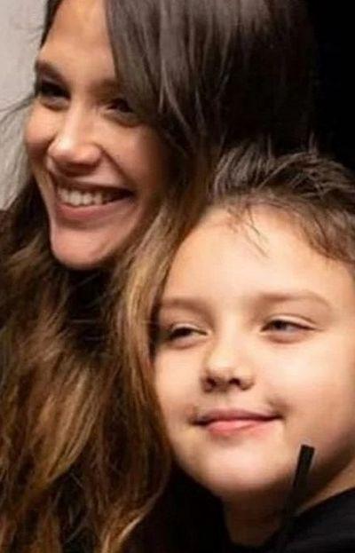 Bárbara Vélez junto a su hermano, Thiago Rodríguez