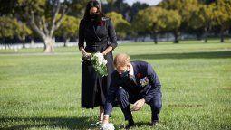 Meghan Markle y el príncipe Harry honraron a los soldados caídos en la guerra