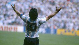 Eduardo Eurnekian mandó a construir una estatua de Diego Maradona