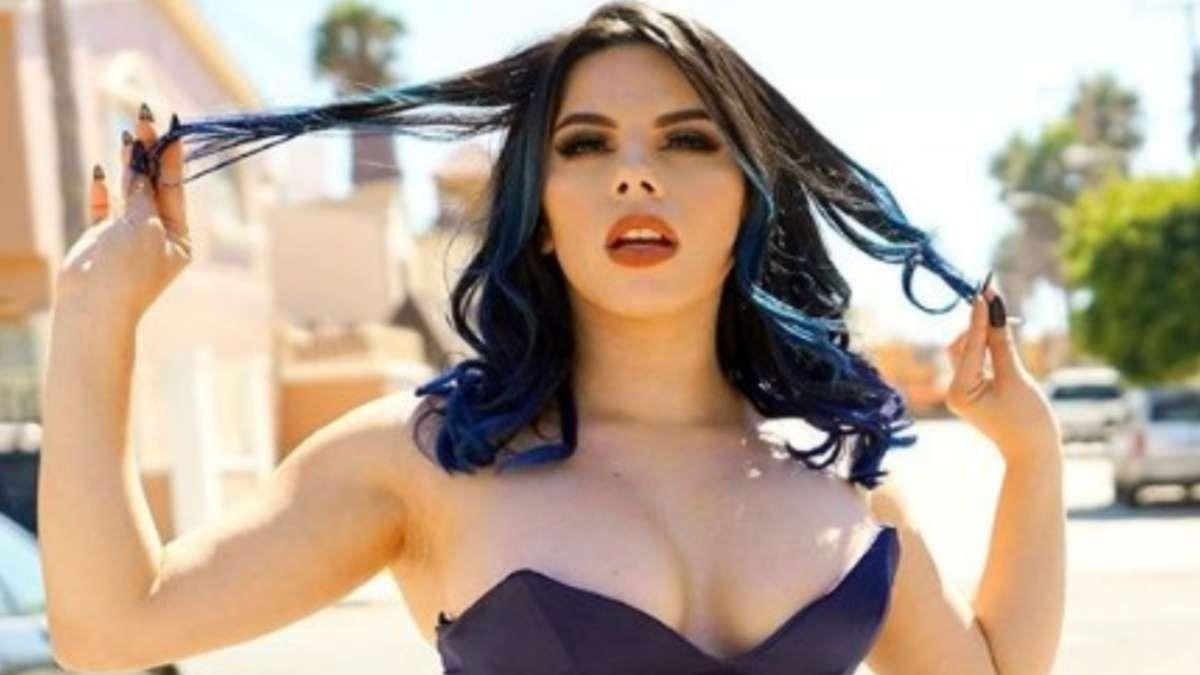Lizbeth Rodríguez presume su figura en la playa como una sirena