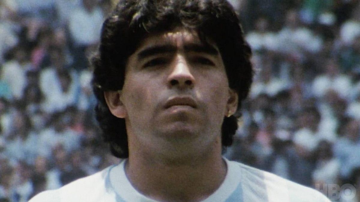 Decretan tres días de duelo nacional por la muerte de Diego Maradona