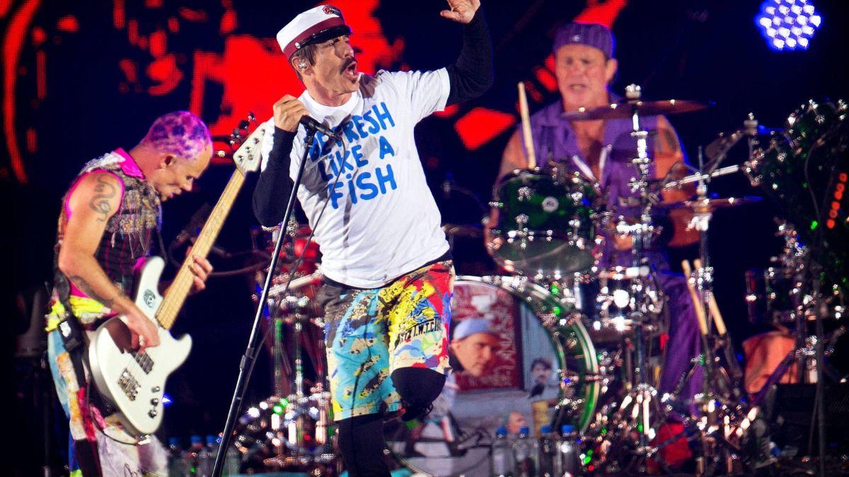 Red Hot Chili Peppers vendió sus canciones por 140 millones