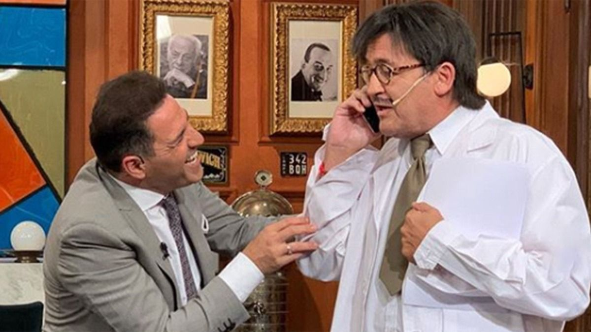 Álvaro Navia dejó el ciclo Polémica en el Bar