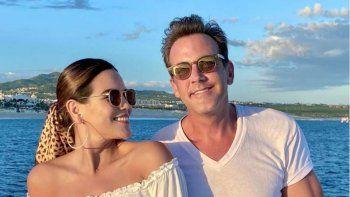 ¡Se lanzó al agua! Carlos Ponce se casó con su novia Karina Banda