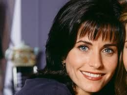 ¡Ha vuelto! Courteney Cox revivió una famosa escena de Monica