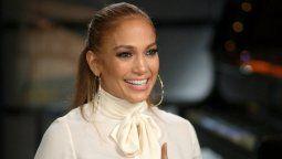 ¡Agradecida! Jennifer Lopez recibe un premio y no olvida a los suyos