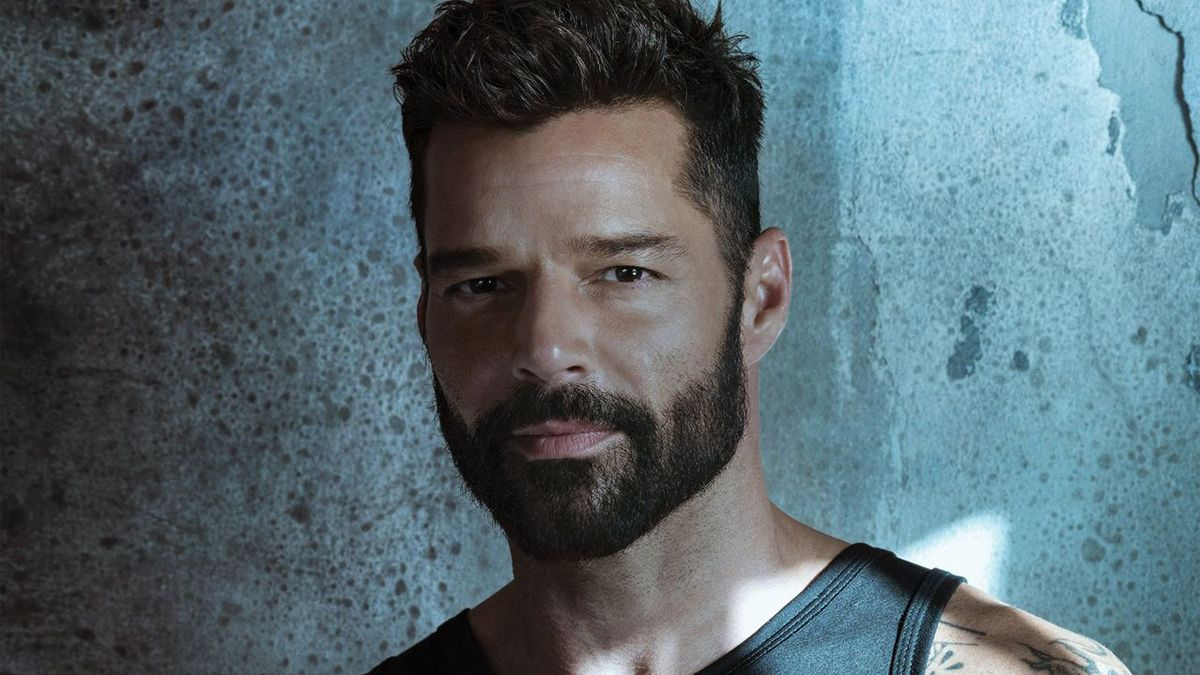 ¡Por primera vez! Ricky Martin muestra sus canas en barba y cabello