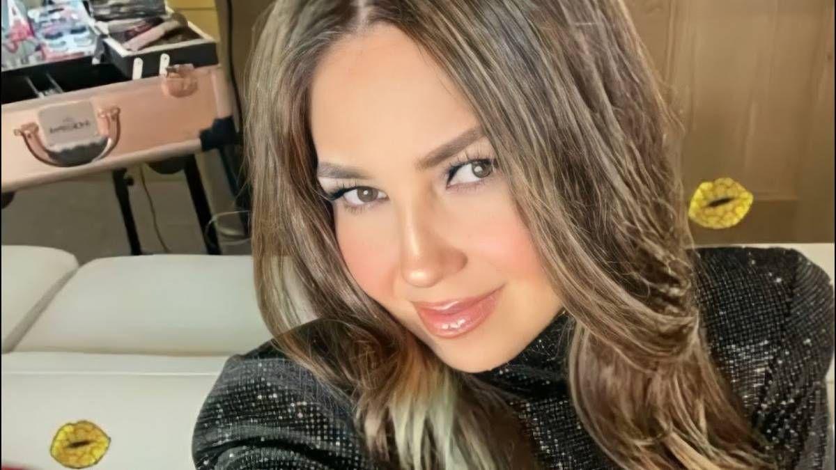 ¡Besucona! Thalía mandó sexy mensaje