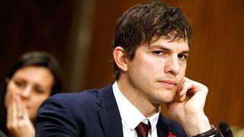 Las huellas del actor Ashton Kutcher estaban en la escena del crimen contra su novia Ashley Ellerin