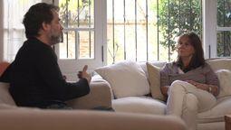 El actor Gastón Pauls entrevistando a la madre de Chano Marina Charpentier
