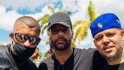 {alttext(Residente y Ricky Martín se solidarizaron con quienes manifestan contra el Gobierno de Cuba, pero en el caso de René también pidió el fin del bloqueo,Residente, Ricky Martin y Yotuel apoyaron el #SOSCuba )}