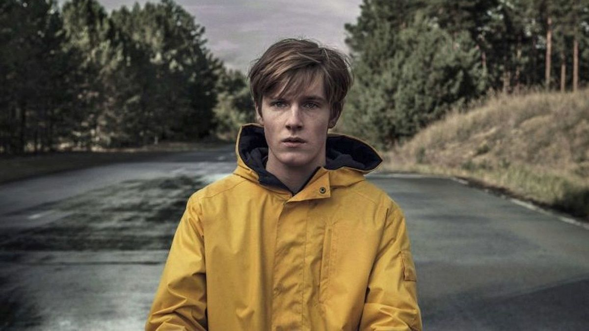 Louis Hofmann interpreta a JonasKanwald en la serie Dark de Netflix