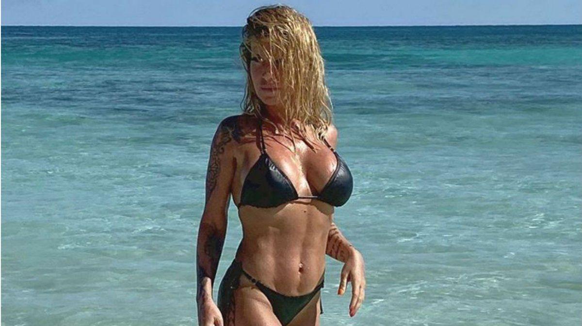 Flor Peña presentó su nueva línea de bikinis