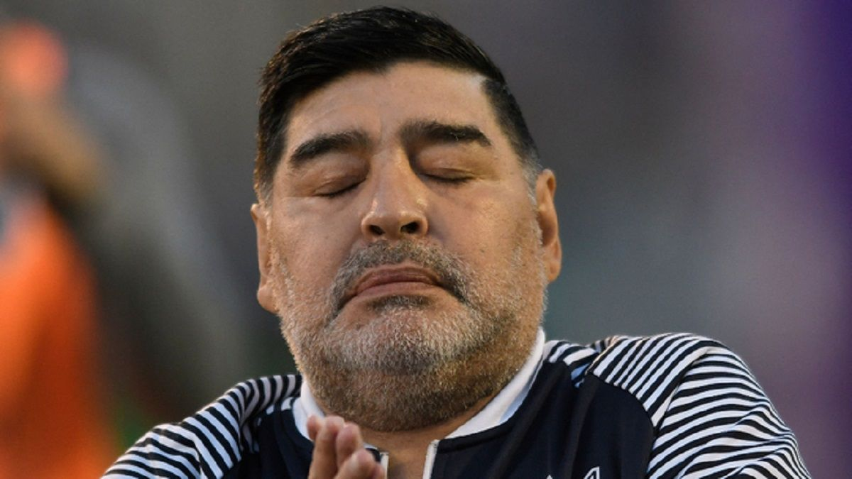 Jorge Rial mostró el informe de los enfermeros de Diego Maradona