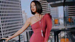 Ángela Aguilar enloquece a sus seguidores al realizar yoga en enloquecedor outfit