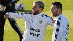 Lionel Messi le llamó la atención y el Kun Agüero respondió esto