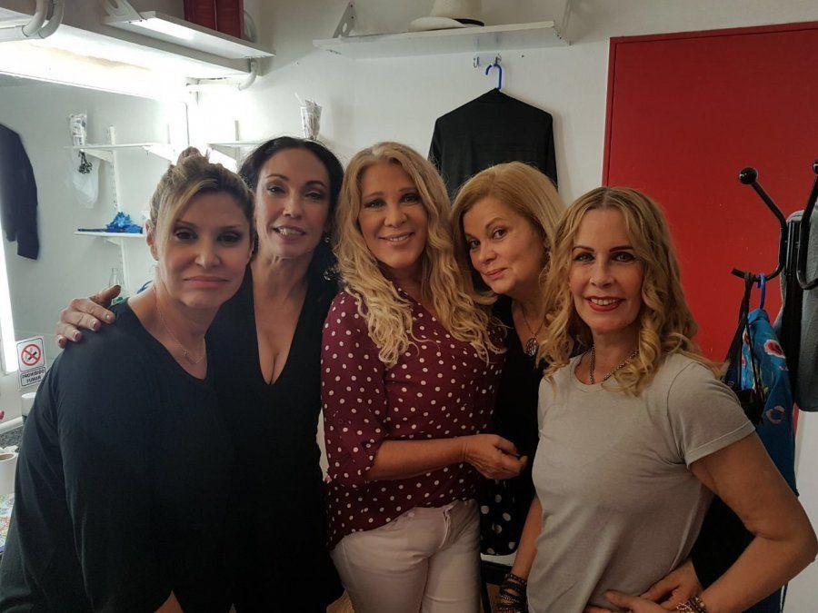 Reina Reech vuelve al teatro con un elenco de mujeres