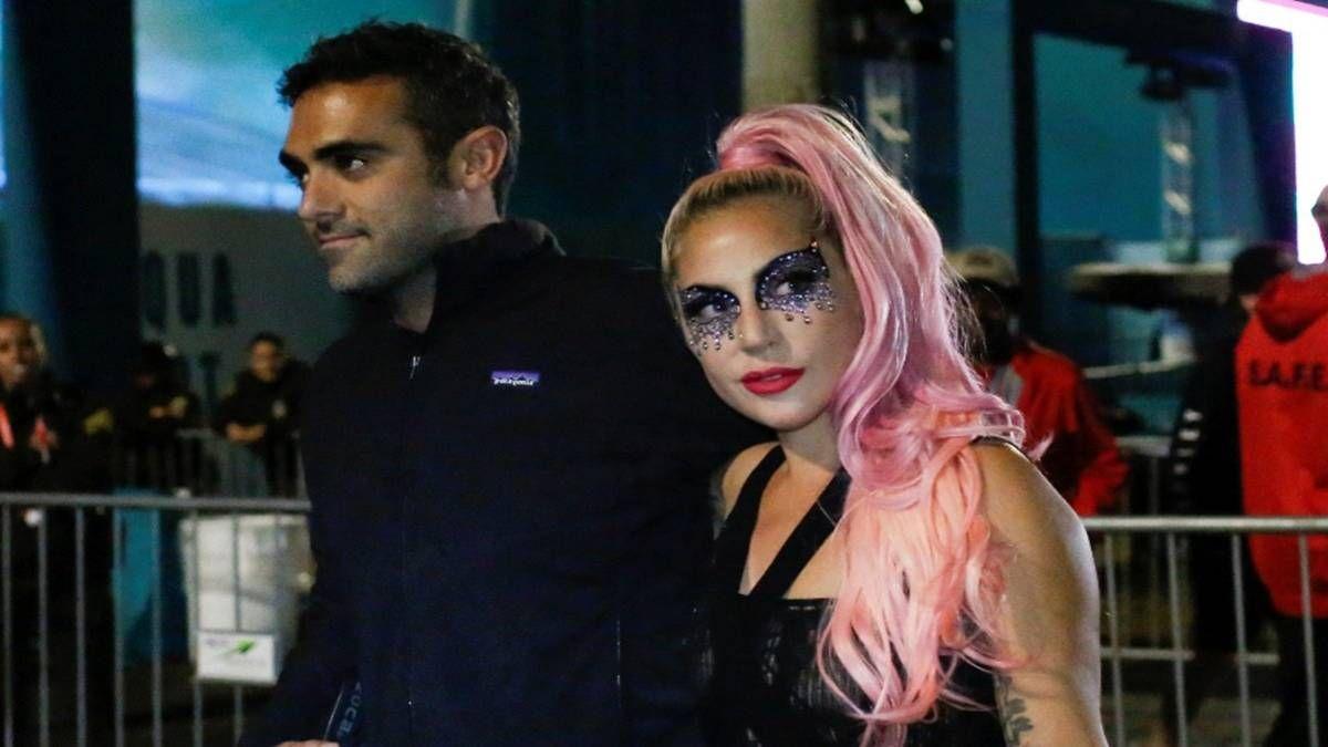 ¡Los vieron! Lady Gaga y este misterioso beso