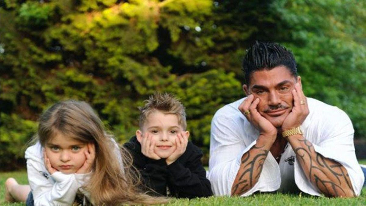 Ricardo Fort y sus hijos Martita y Felipe