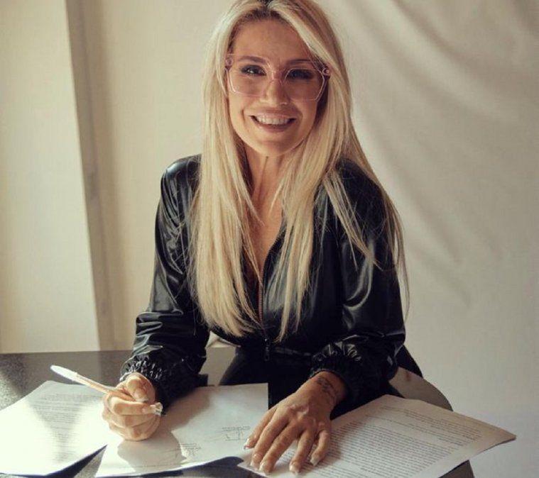 Este fue el momento cuando Florencia Peña firmó el contrato con Telefé