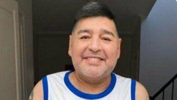 Hace unos días el propio Diego Maradona subió una foto junto a su médico, donde indicaba que habia vuelto a entrenar y se sentía muy bien