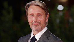 Mads Mikkelsen negocia para reemplazar a Johnny Depp en Animales Fantásticos