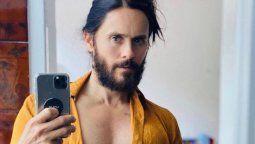 ¡Desnudo! Jared Leto posa como Dios lo trajo al mundo