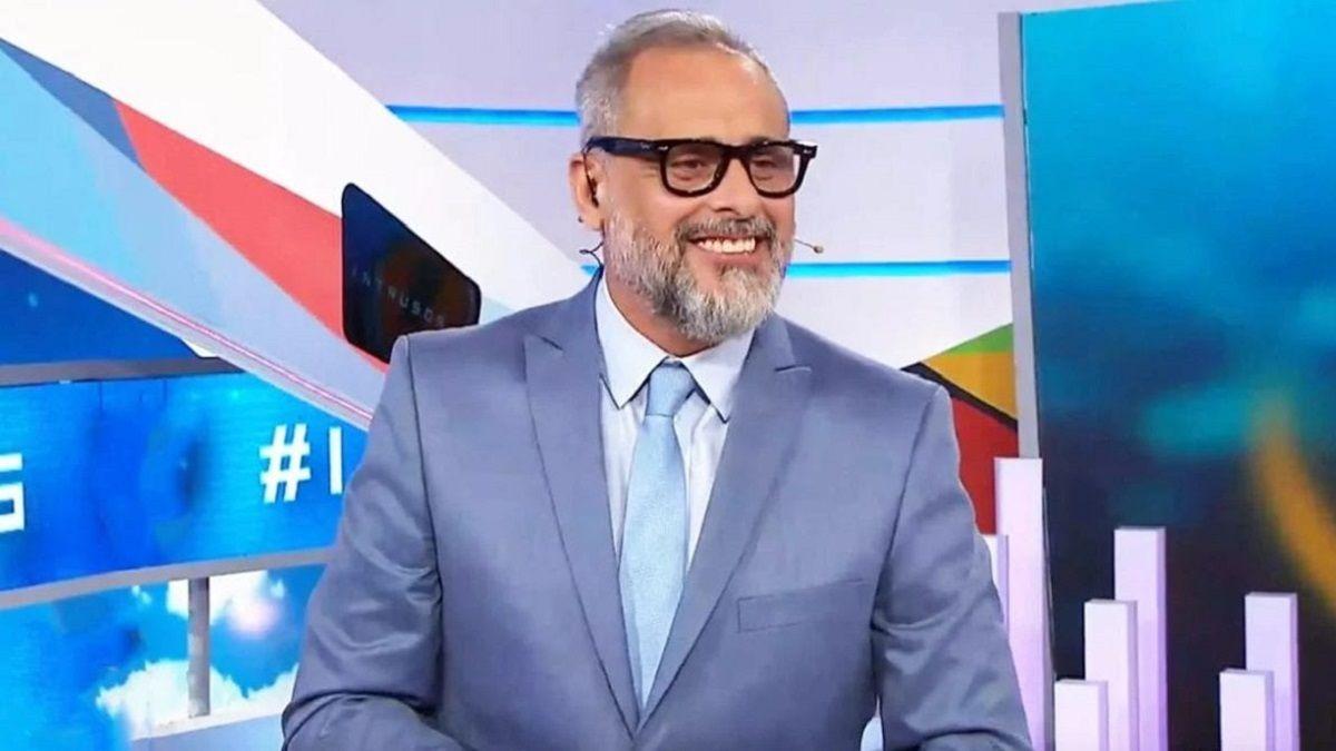 Jorge Rial muy irónico contra sus colegas de América TV