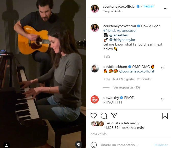 Este es el video que compartió Courteney Cox interpretando el tema de Friends