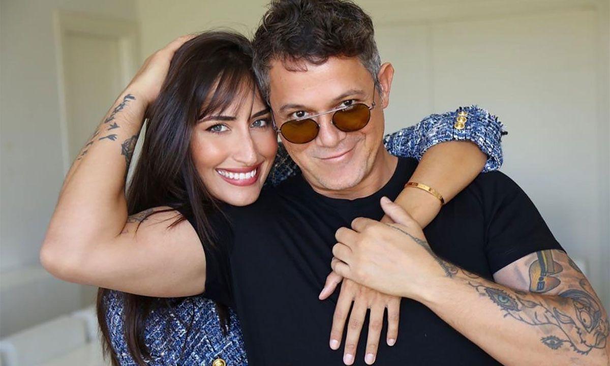 Alejandro Sanz y Rachel Valdés demuestran su amor en público
