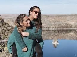 ¡Su apoyo! María Pombo ayuda a su hermana en su separación