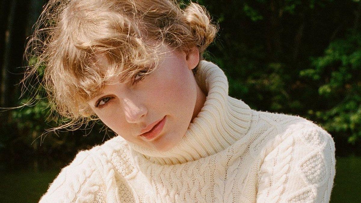 Taylor Swift supera a Whitney Houston y es la mujer con más números 1 en la Billboard 200