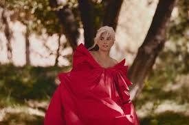 ¡Qué aroma! Lady Gaga es la imagen de un nuevo perfume