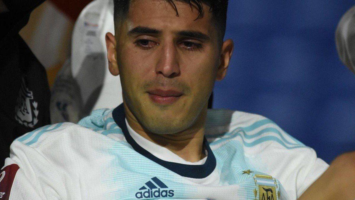 ¡Terrible! Exequiel Palacios sufrió una muy grave lesión