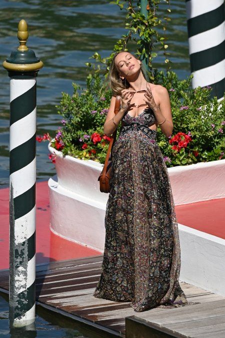 ¡Deslumbrante! Ester Expósito dejó atónitos a todos en Venecia