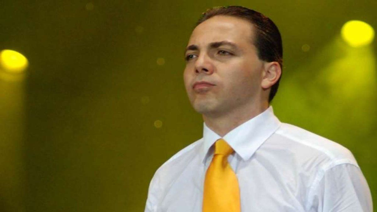 ¡Muy triste! Cristian Castro reveló que su tío agredía físicamente a su madre, Verónica