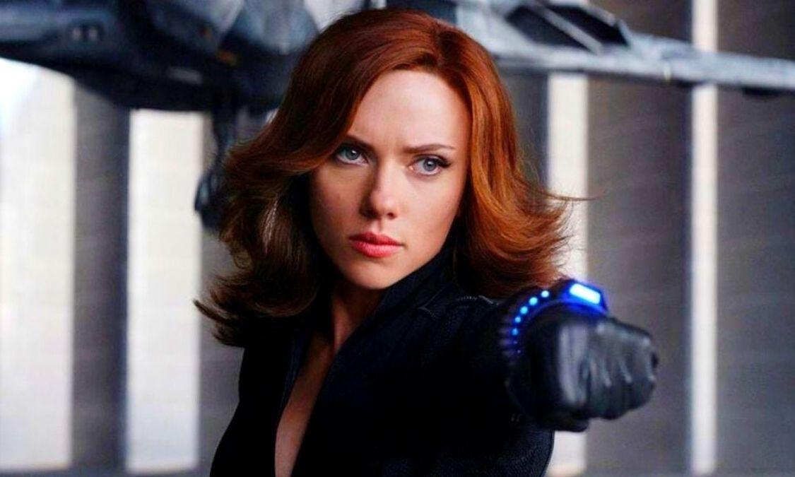 La actriz Scarlett Johansson demandó a Disney por 100 millones de dólares