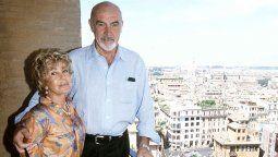 Sean Connery sufrió demencia senil en sus últimos meses, reveló su esposa