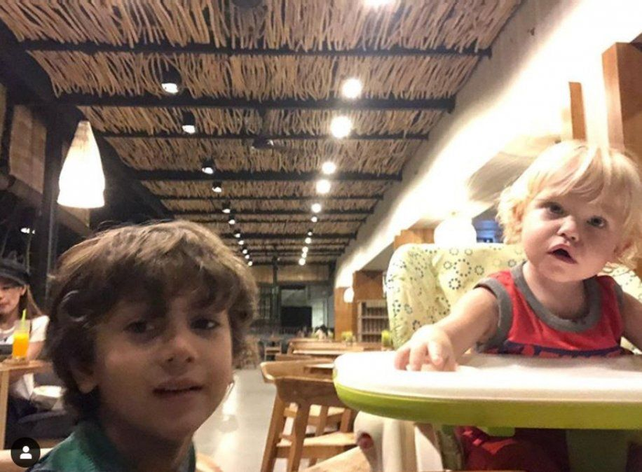 Cumbre de niños conductores en TV: Mirko y Momo desde Indonesia