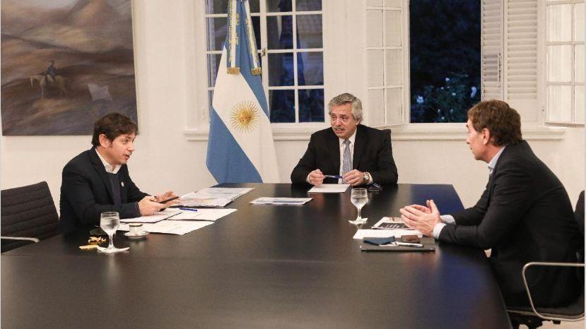El presidente Alberto Fernández junto a Kicillof y Santilli