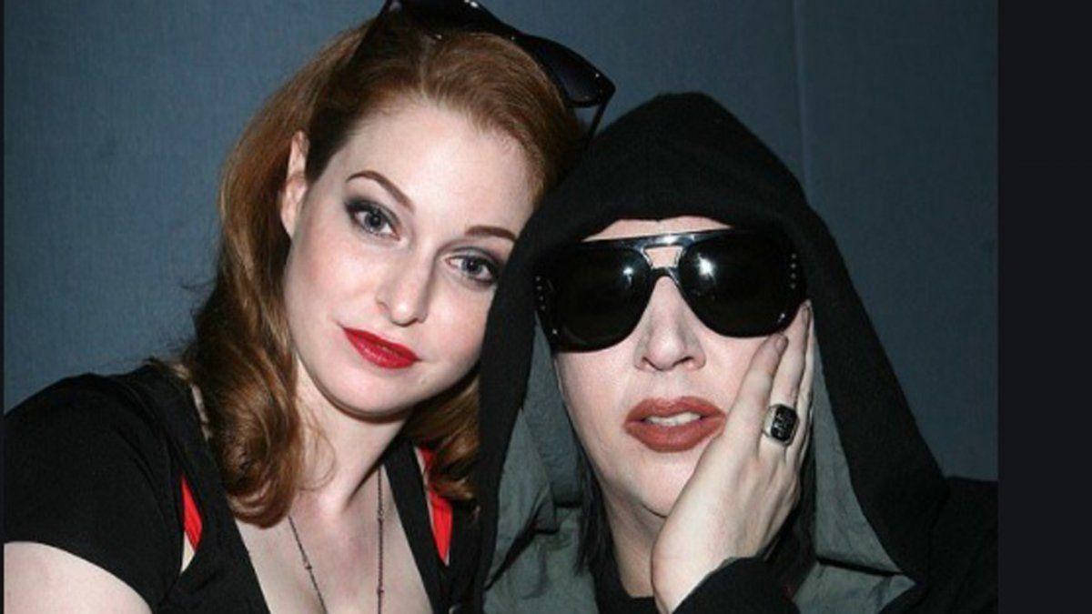 La actriz Esmé Bianco junto a Marilyn Manson