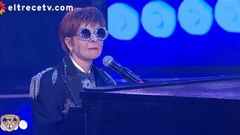 Débora Plager imitó a Elton John y sorprendió al jurado