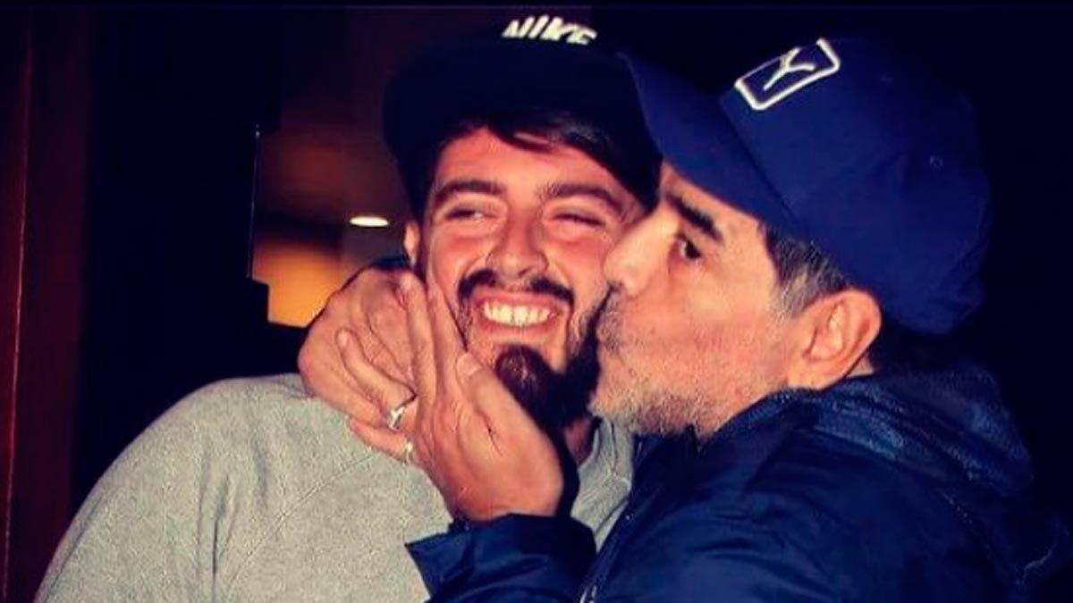 Diego Junior junto a su padre Diego Armando Maradona
