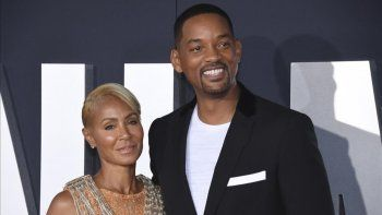 La actriz Jada Smith y su esposo WIll hablaron de la infidelidad en el talk show red table