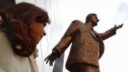 Marcelo Longobardi sobre la instalación de la estatua de Néstor Kirchner