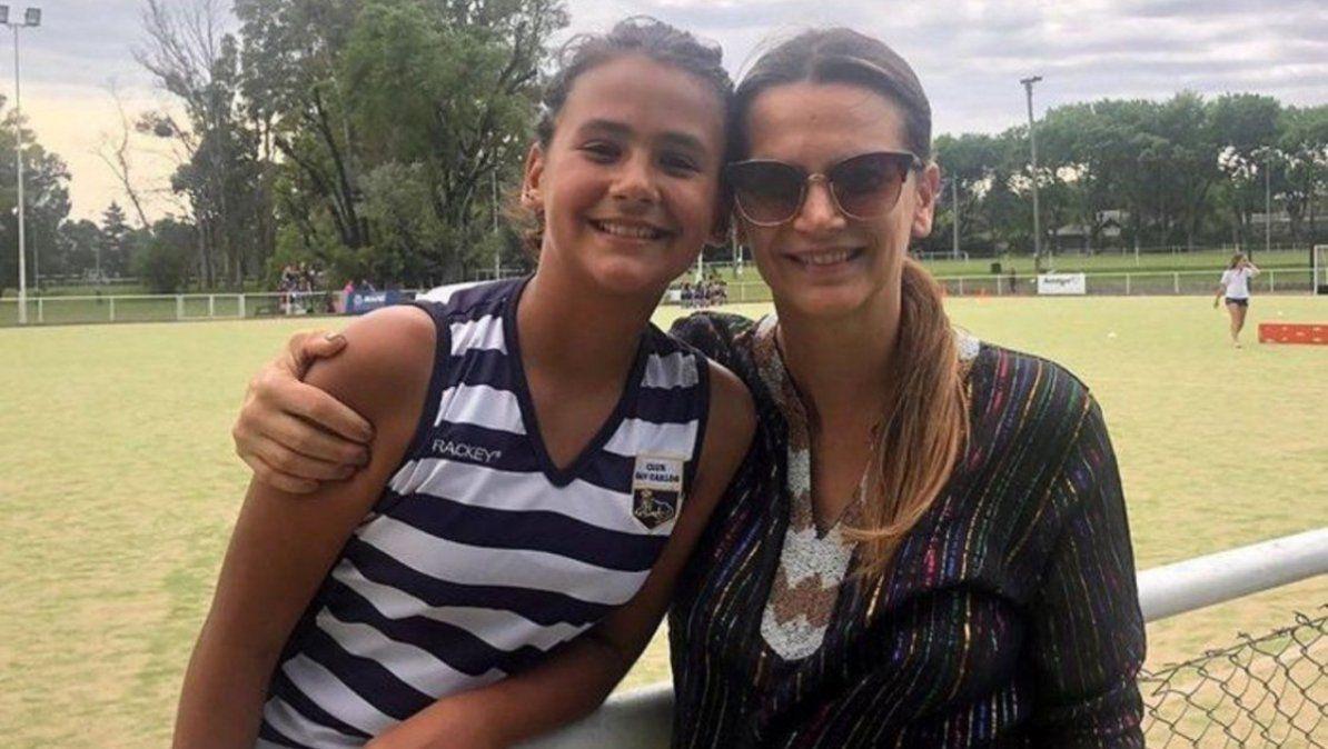 Uma, la hija de Amalia Granata, rompió en llanto por la suspensión de clases