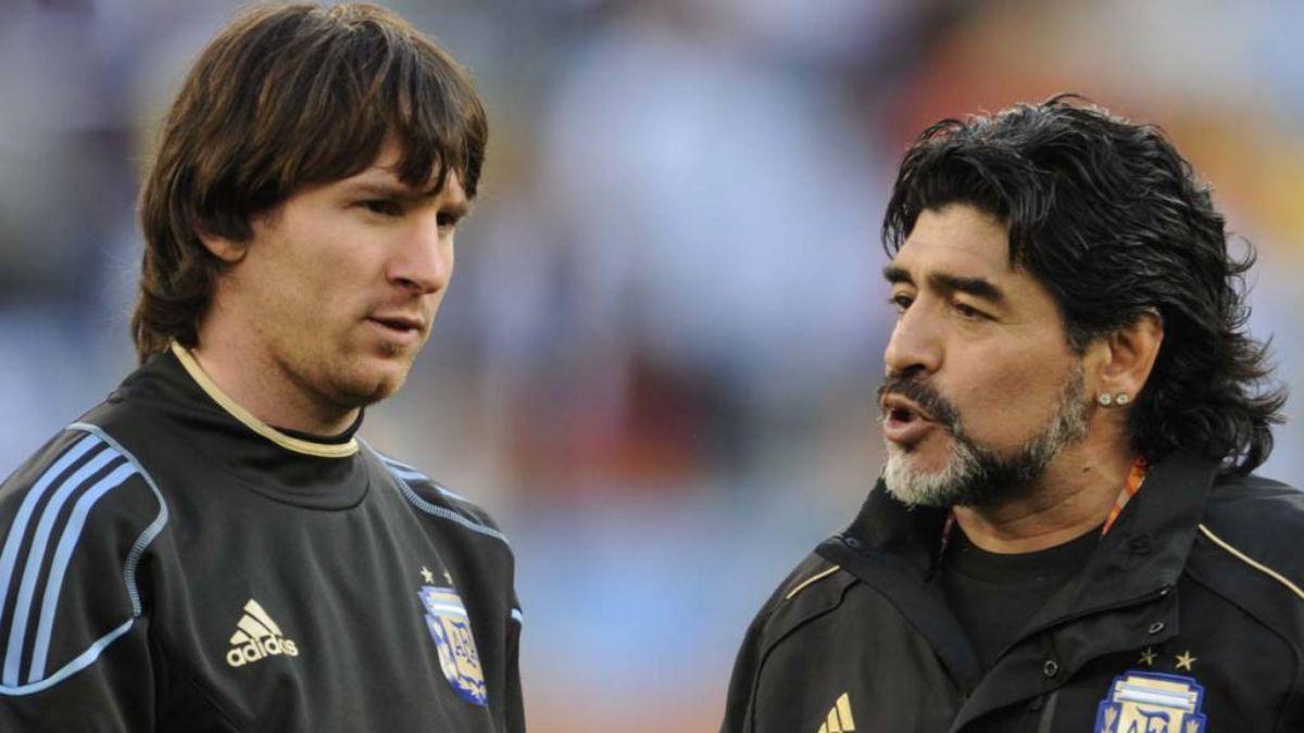 Lionel Messi preocupado por la salud de Diego Maradona