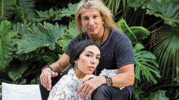 Claudio Caniggia y su novia Sofía Bonelli